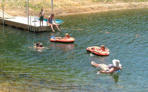 swim_boat.134101208_std